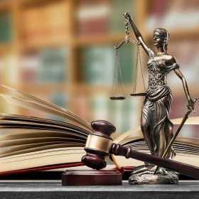 Selekcja kancelarii adwokackich. Jakie cechy powinien posiadać adwokat obsługujący klienta indywidualnego?