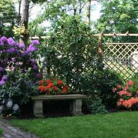 Ogród zaprojektowany przez profesjonalistów – dlaczego warto się na niego zdecydować?