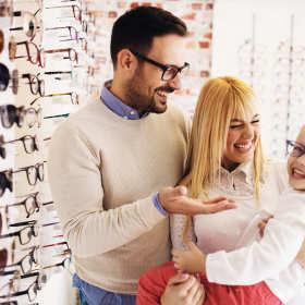 Czym się kierować przy wyborze oprawek okularowych?