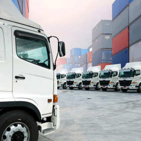 Na co zwrócić uwagę przy kupnie samochodu ciężarowego?
