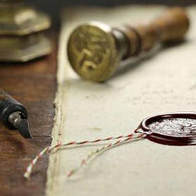 Jakie uprawnienia ma notariusz? Co możemy u niego załatwić?