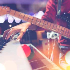 Oprawa muzyczna imprez okolicznościowych kluczem do udanej zabawy