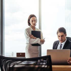 Obsługa prawna podmiotów gospodarczych – wybór odpowiedniej kancelarii adwokackiej