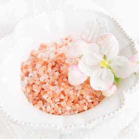 Sól himalajska w kosmetyce – właściwości najzdrowszej soli na świecie