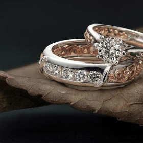 Biżuteria złota czy srebrna – jak wybrać pasujące do urody wyroby jubilerskie?