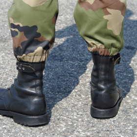 Co oferują sklepy z militariami?