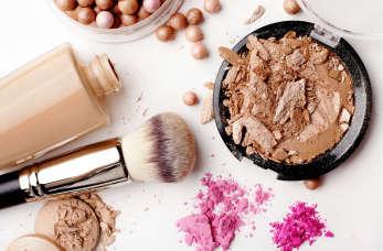 7 produktów, które musisz mieć w swojej kosmetyczce