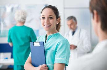 Nowoczesne wyposażenie poradni specjalistycznych w centrach medycznych
