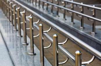 Dlaczego warto zdecydować się na barierki stalowe?