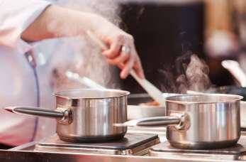 W jakie akcesoria do gotowania warto wyposażyć kuchnię?