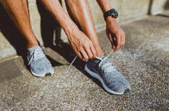 Modne sznurowadła – dodaj swoim butom charakteru