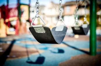 Bezpieczny plac zabaw. Jaki powinien być?