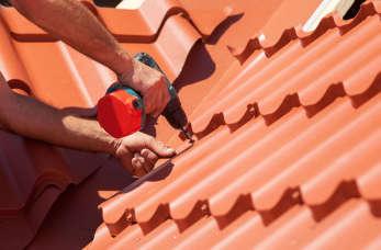 Zalety stosowania blach dachowych na pokrycia dachowe