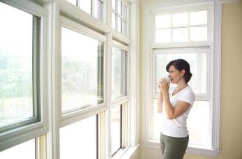 Czym wyróżniają się na rynku najlepsi dystrybutorzy systemów okiennych?
