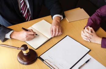 Kiedy warto odbyć konsultacje prawne?