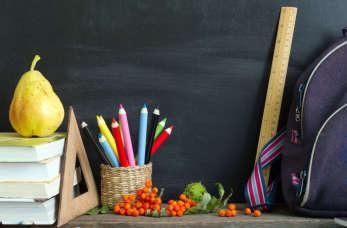 Artykuły biurowe i szkolne – co wchodzi w skład niezbędnego wyposażenia?