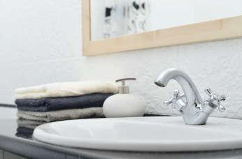 Trendy wnętrzarskie – jakie baterie łazienkowe wybrać?