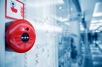 Ochrona przeciwpożarowa w firmie – co warto wiedzieć na ten temat?