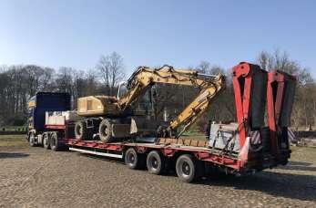 Transport ponadnormatywny – maszyny budowlane i rolnicze w drodze.