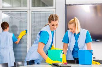 Kiedy warto zdecydować się kompleksowe usługi sprzątające?