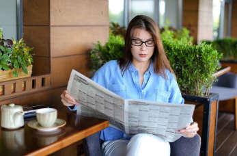 Ogłoszenia w gazecie – sposób na sprzedaż domu i poznanie miłości