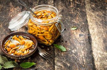 Jak marynować grzyby i dlaczego warto je jeść?