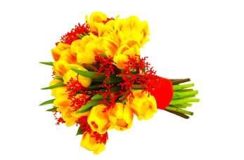 Kwiaty na każdą okazję – kiedy sprawdzają się poszczególne kompozycje?