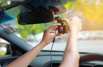 Nawigacje, kamery cofania, czyli elektronika w nowoczesnym aucie