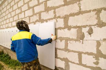 Remonty i docieplenia – jakie prace przeprowadzają firmy budowlane?