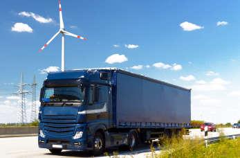 Jakie prawo jazdy wymagane jest do prowadzenia samochodów ciężarowych?