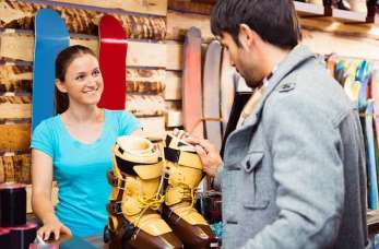 Na co zwrócić uwagę kupując buty narciarskie?