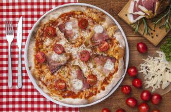 Pizza w prawdziwym włoskim stylu! Czyli jakim?