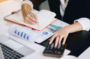 Czynności związane z rozliczaniem VAT przez przedsiębiorcę