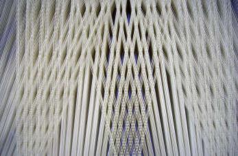 Jakie zalety mają tekstylne osłonki do wędlin?