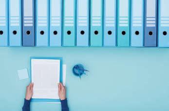 Czy warto powierzyć księgowym prowadzenie akt osobowych pracownika?