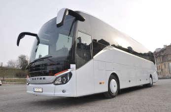 Gdzie warto wynająć autobus? Poznaj 3 cechy zaufanej firmy transportowej