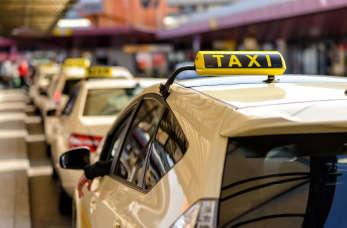 Taksówka dla firmy zamiast samochodu z wypożyczalni