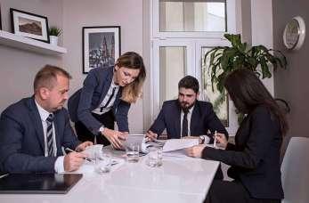 Usługi prawne dla firm – dlaczego warto nawiązać współpracę z kancelarią?
