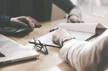 Korzyści z powierzenia obsługi kadrowo-płacowej biuru rachunkowemu