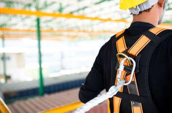 Asekuracja pracy na wysokościach – współpraca z firmą TRACTEL!