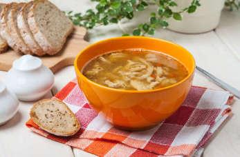 Jakie dania kuchni polskiej warto zamówić w restauracji?