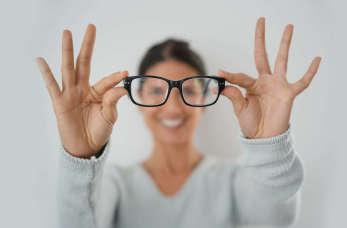 Jak wybrać profesjonalnego optyka?