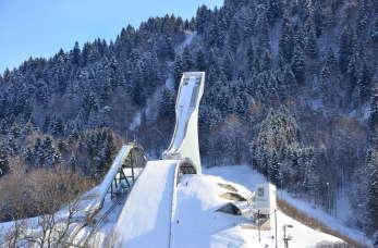 Puchar Świata w skokach narciarskich – w jakich zawodach rywalizują skoczkowie?