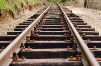 Podkłady kolejowe – czym są, i jakie firmy je produkują?