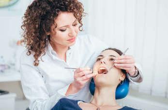 Stomatologia estetyczna – wieloetapowa droga ku śnieżnobiałym zębom