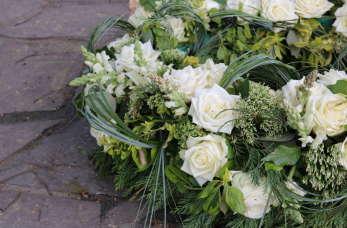 Kremacja zwłok w Kościele katolickim – czy jest zgodna z wiarą i jak wygląda ostatnie pożegnanie bliskiego?