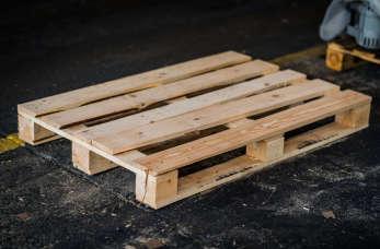 Co warto wiedzieć o paletach drewnianych?