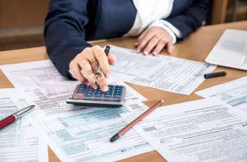 Jak przeprowadza się optymalizacje podatkowe w firmach?