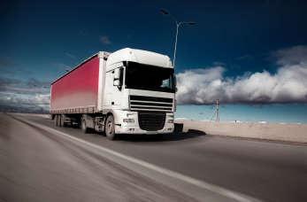 Czym się kierować, wybierając firmę transportową?