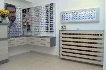 Badania i dobór okularów – jak wygląda pierwsza wizyta w gabinecie optyka?